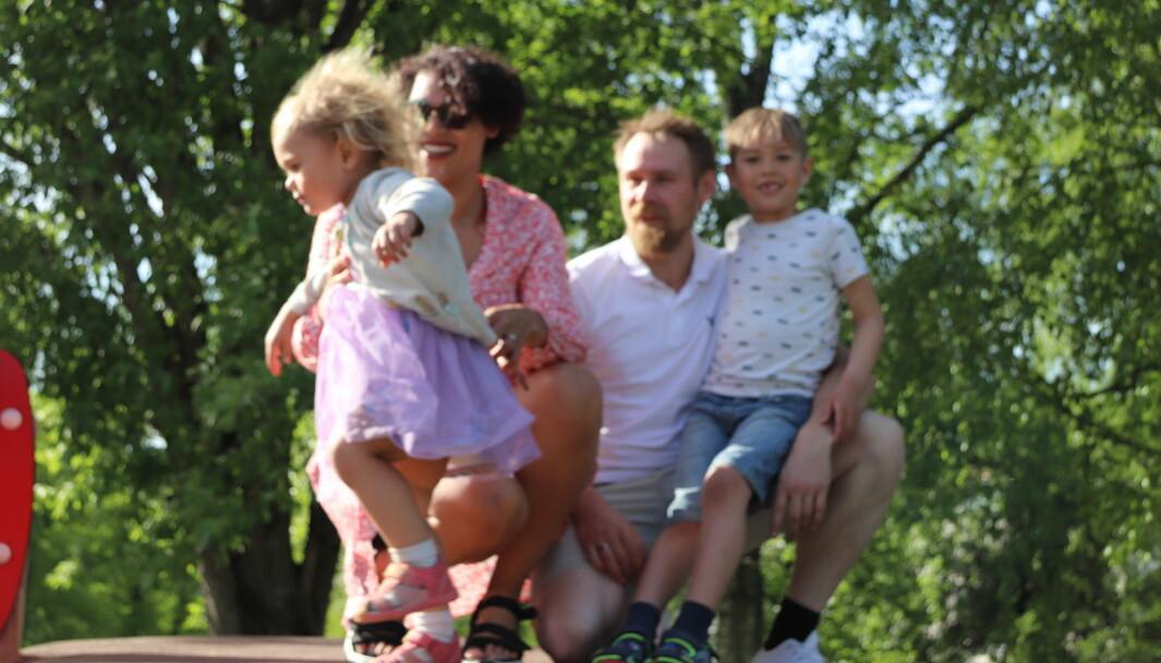 Familien Edwards-Burheim: Freya, Jacqueline, Frode og Odin er fornøyd med tilbudet med familiekontakt.