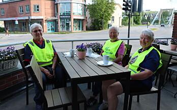 Her har de tre pensjonistene nettopp syklet Hamar-Kongsvinger