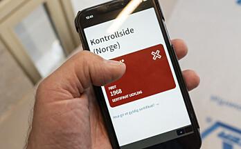 Slik blir koronasertifikatet kontrollert når man reiser inn til Norge