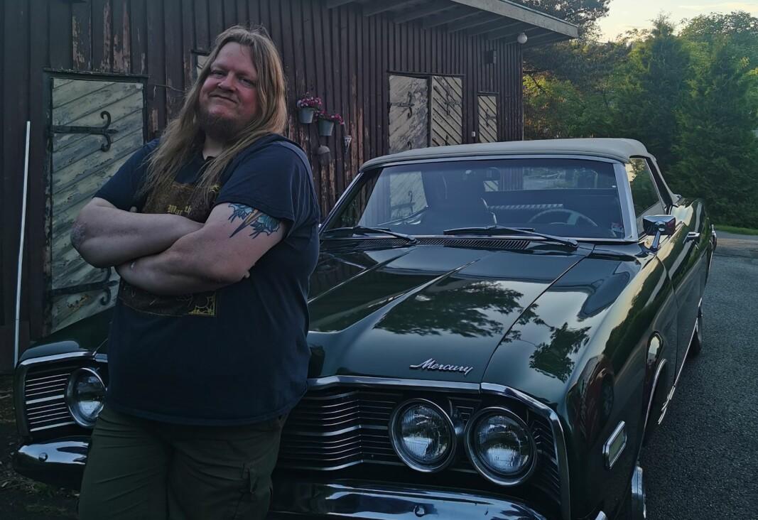 Stian Fossum med bilen han planlegger å tilbringe Pitstop Motor Week i.