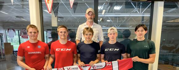 Juniorer signerte for A-laget