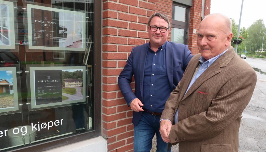 Sigbjørn (t.h.) og Jo Heiki Støve er to kjente ansikter i eiendomsmeglerbransjen i Kongsvinger.