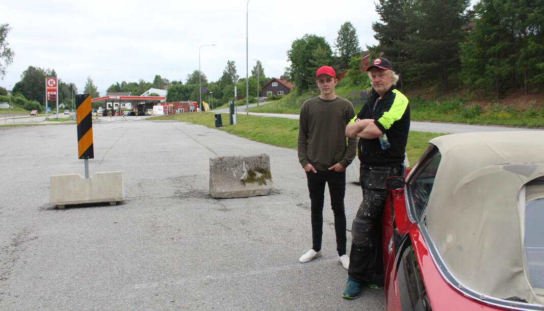 Jarle Kjelsrud og Trond Furuberg mener kommunens avstenging av