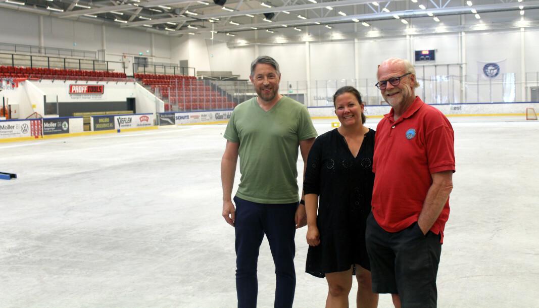 Snart skal isen tilbake på banen og hallen åpens igjen. Styreleder Christer Mykkestue, styremedlem Lisa Lind Noer og klubbveileder Petter Norstrøm forteller at de har store planer for klubben i tiden fremover.