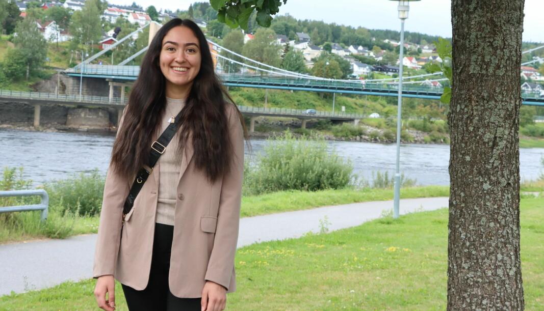 Caroline Belda har vært suverent yngst i kommunestyret denne perioden. Overgangen fra ungdomspolitikk til voksenpolitikk merket hun tidlig var langt mer formell, men også lærerik.