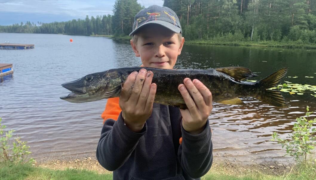 Milian Håven fikk ei pen gjedde på kroken i fiskekonkurransen og tok med den en solid ledelse.