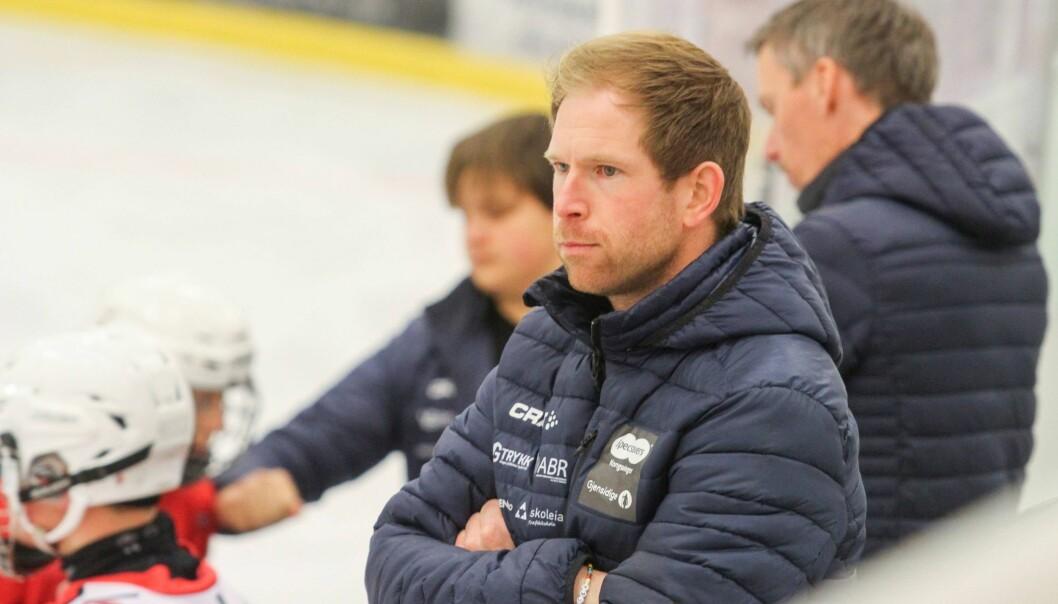Tor Ole Tangen fra Kongsvinger ble tatt ut som ekstratrener til U20-landslagets oppkjøring til hockey-VM.