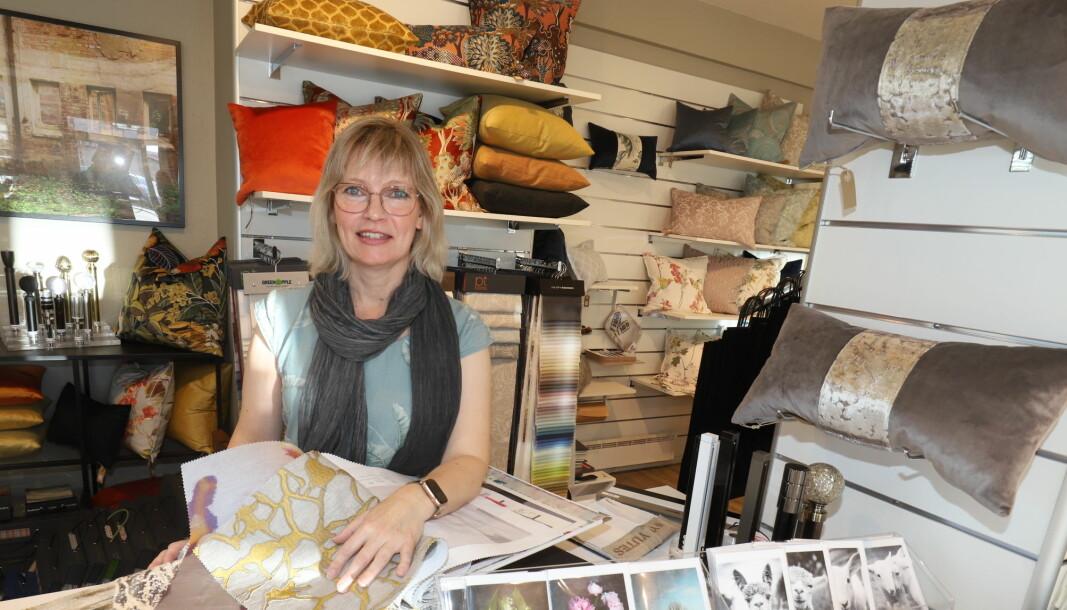 Anne Grethe Dalbakk driver sin egen nisjebutikk i Glommengata hvor hun tilbyr blant annet spesialsøm og interiørløsninger.