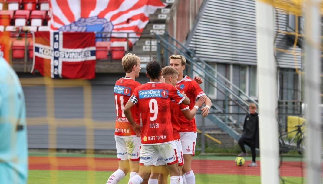 Her har akkurat Martin Hoel Andersen satt inn sitt andre mål for dagen. Selv om KIL vant 4-0, er spissen sånn passe fornøyd med prestasjonen.