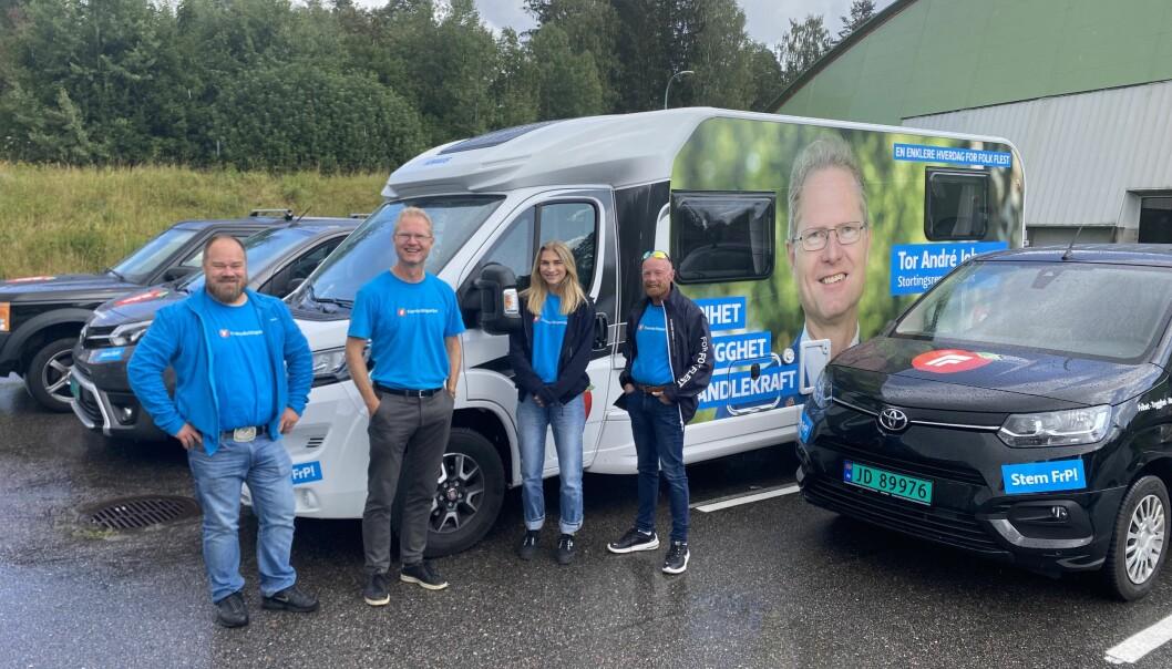 Nå er virkelig FrP ute og kjører i Hedmark. I sin kortesje gjennom fylket i går hadde førstekandidat Tor Andre Johnsen med seg Truls Gihlemoen, Alexander Ramse Olsen og Anne Marie Johnsen.