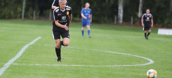 Steinar (55) nekter å gi seg – scoret etter fem minutter
