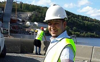 Kom til Kongsvinger fra Afghanistan som analfabet – nå har Elyas fått jobb som ingeniør