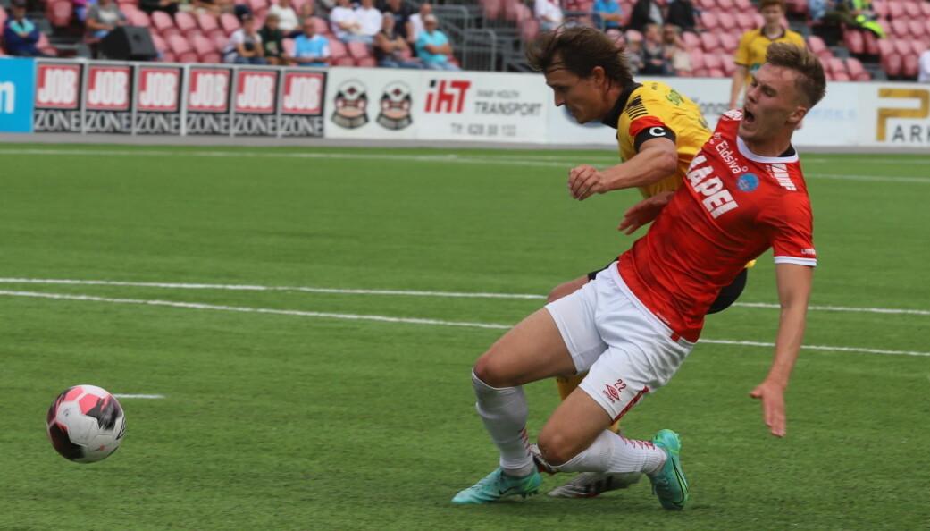 Ludvig Langrekken var nesten ustoppelig mot Moss. KIL-spissen scoret to mål og fikset en straffe før han ble skadet og måtte gå av.