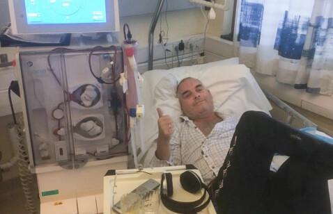 Etter over 500 dialysebehandlinger kom endelig telefonen om at sykehuset hadde funnet en donor som passet Brynjar Fredheim. Her er han fra en av behandlingene ved Kongsvinger sykehus.