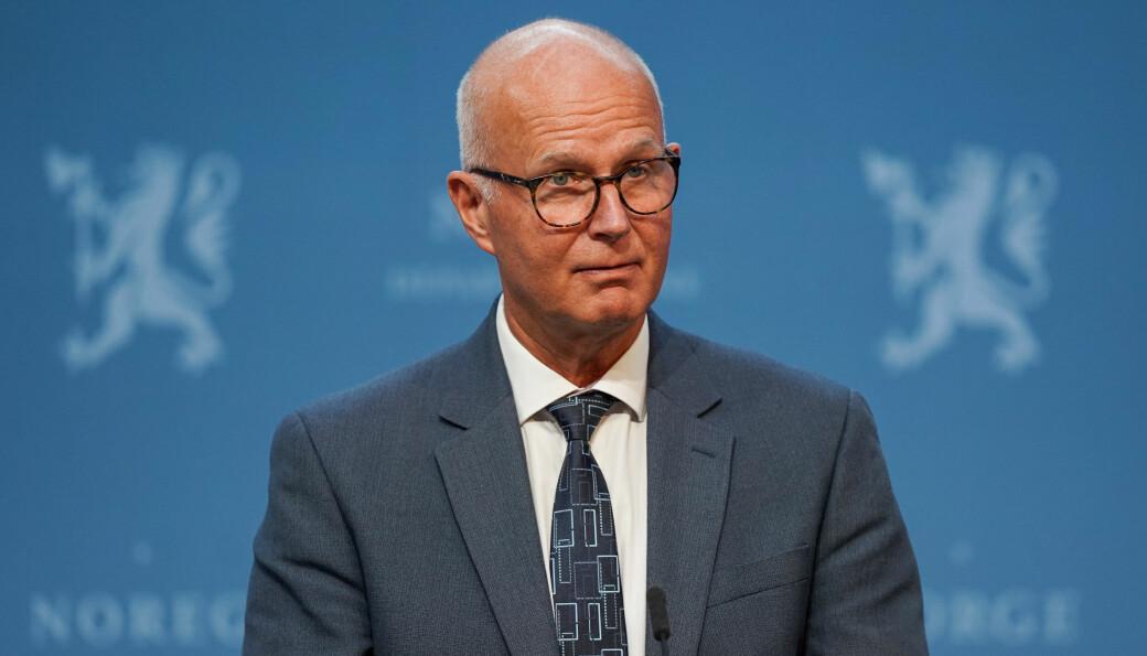 Helsedirektør Bjørn Guldvog under en pressekonferanse om koronasituasjonen.