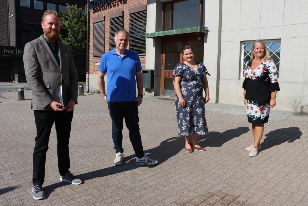 Styret i det interkommunale plansamarbeidet for E16 Kongsvinger-E6, med ordfører i Ullensaker, Eyvind Jørgensen Schumacher (t.v.), ordfører i Sør-Odal, Knut Hvithammar, ordfører i Kongsvinger, Margrethe Haarr og ordfører i, Nes Grete Sjøli.