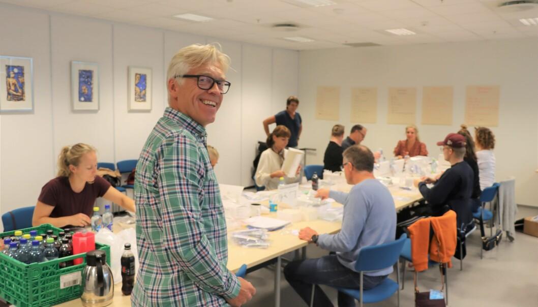 Morten Frantzbråten, markedskoordinator i NAV, var en av flere NAV-ansatte som la bort dagens gjøremål for å bistå kommunen fredag.