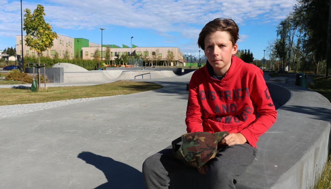 Tor Isak Høiby bruker mye av fritiden sin på sparkesykkel i skate- og aktivitetsparken, men blir tørst etter en lang dag.