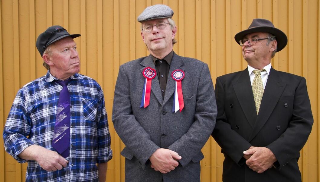 Nils Oscar Ottesen, Øivind Roos og Trond Eng har tilbragt mer tid på samfunnshus enn de fleste, og kommer de med en hyllest til samfunnshusene.