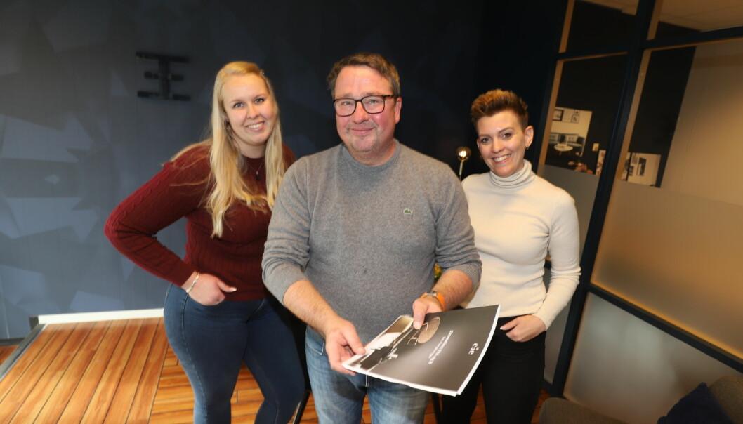 Lise Eilertsen (f.v.), Jo Heiki Støve og Amelia Åsengen-Sletholen hos EIE eiendomsmegling merker det er økt pågang fra folk i Stor-Oslo som ønsker å flytte til Kongsvinger..