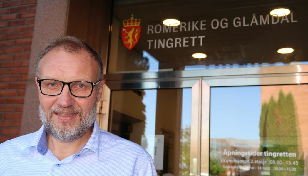 Sorenskriver Odd Magne Gjerde mener at Kongsvinger har tjent på domstol-sammenslåingen. Han håper at en eventuell reversering ikke blir del av en hestehandel i et politisk spill om regjeringsmakt.