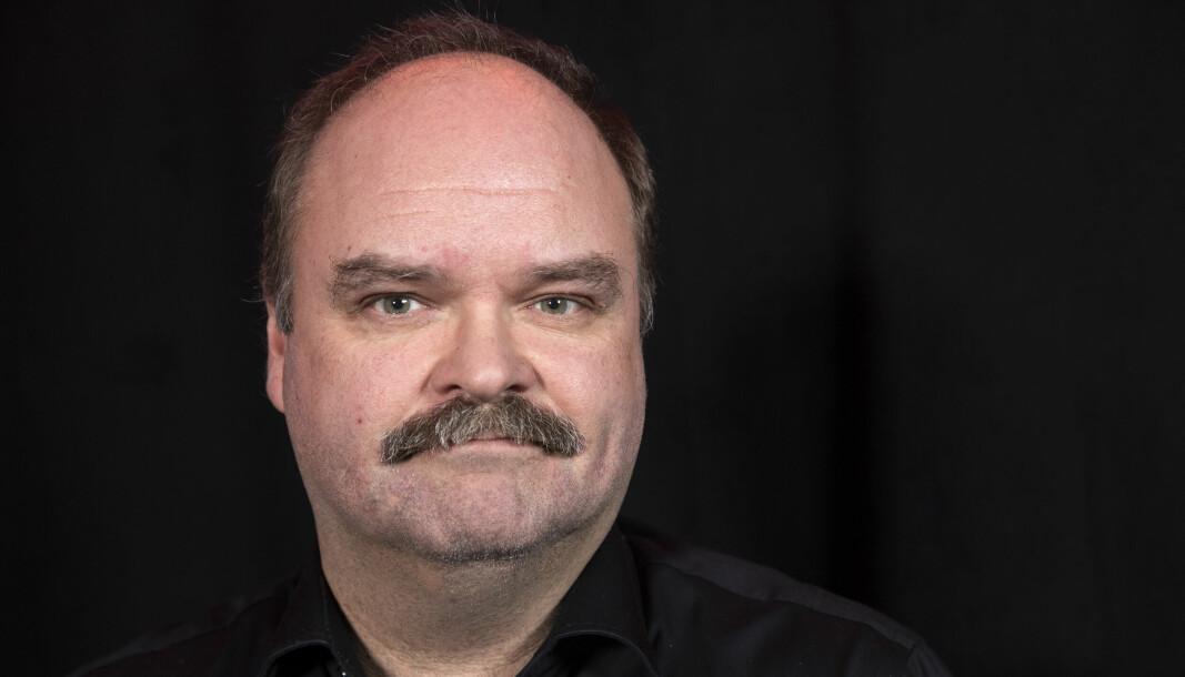 Humorkongen Atle Antonsen var KIL-treneren som parodierte hvor vanskelig det er å spille på bortebane.