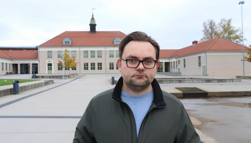 Daniel Instebø (V) stiller seg veldig kritisk til urintesting av elever.