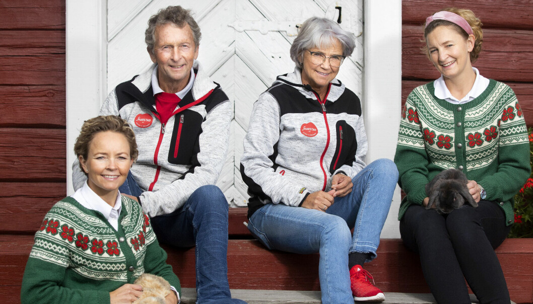 To generasjoner Skarstad (f.) Linda, Lars, Grete og Anette nærmer seg slutten av sesongen. Ved utgangen av denne måneden er det stengt for i år.