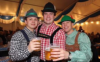 Endelig ble det koronafri fest i byen: – Folk bare tar den helt ut her